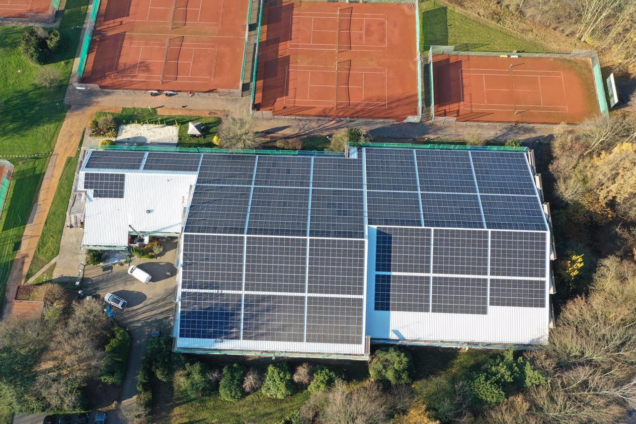 Sanierung von Tennishalle und Clubhaus vollendet
